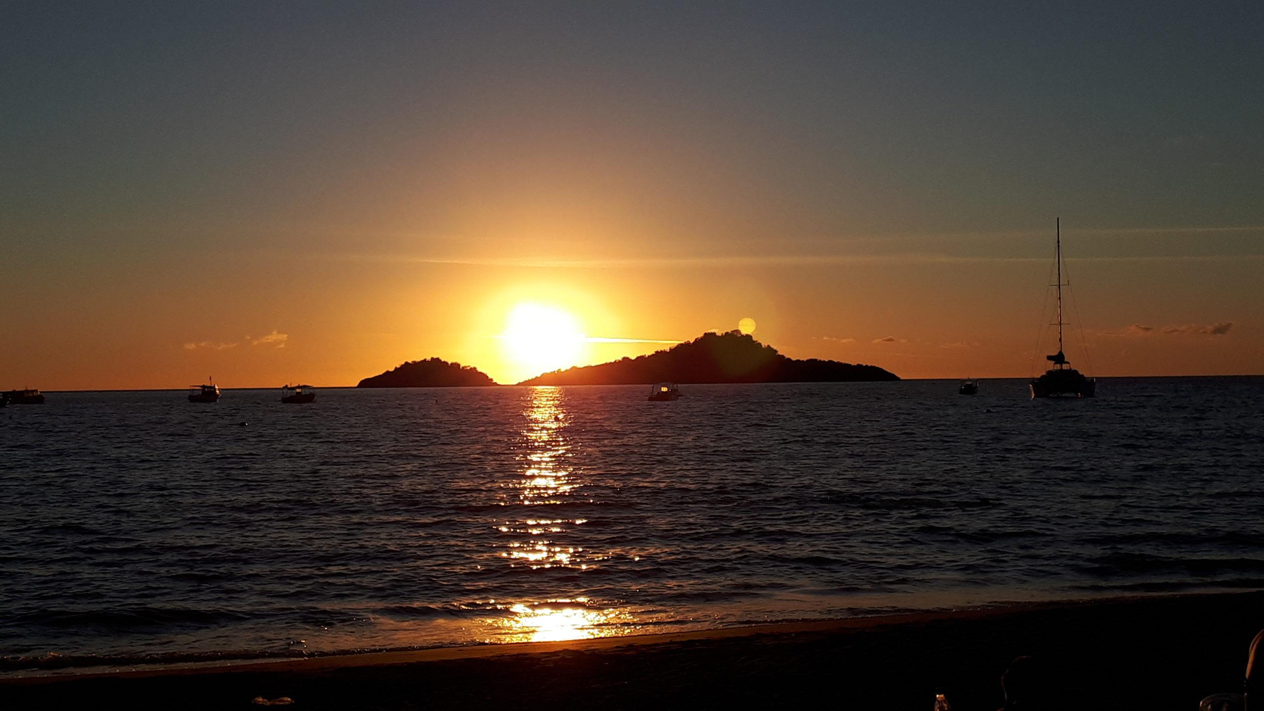 Coucher de soleil à la plage de Malendure